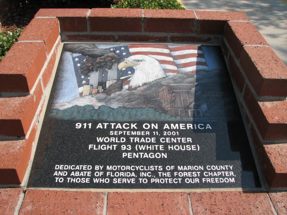 monument in veterans memorial park